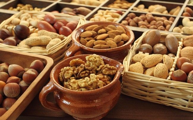 Nuts to Eat on a Diet